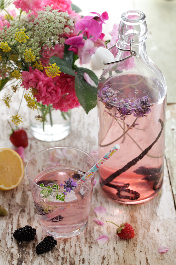flavoured water with Blackberry, Vanilla & Lavender