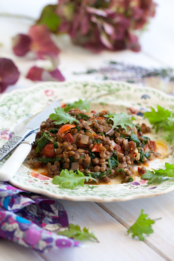 melted greens & tomatoes w lentils-9058